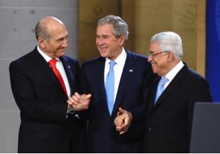 Olmert, Bush e Abu Mazen ad Annapolis nel 2007